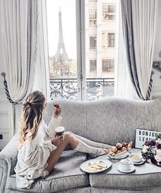 Saturdays are for staying in and getting cozy, especially when your hotel makes you feel like home (and has an Eiffel Tour view). @plaza_athenee #DCMoments #Paris #PlazaAthenee