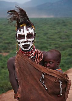 Africa |  Karo mother and child, Omo Valley, Ethiopia |  © Michael Sheridan