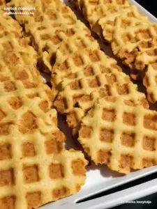 Sajtos ropogós gluténmentesen   Iri mama konyhája  gm receptek Waffles, Breakfast, Food, Morning Coffee, Essen, Waffle, Meals, Yemek, Eten