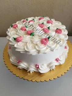kidee ho tum hardika should i sleep Buttercream Cake Designs, Cake Decorating Frosting, Cake Decorating Designs, Creative Cake Decorating, Cake Decorating Videos, Cake Icing, Cake Decorating Techniques, Creative Cakes, Cupcake Cakes