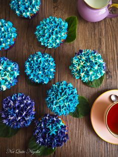 Hydrangea Cupcake Tutorial.  I'd really love to be able to create these!!