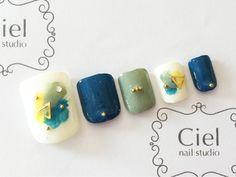 Cute Nail Art Ideas to Try - Nailschick Pedicure Designs, Fall Nail Designs, Toe Nail Art, Nail Art Diy, Aloha Nails, Nails Only, Chic Nails, Feet Nails, Elegant Nails