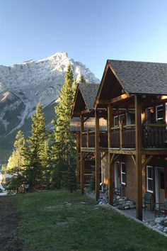 Buffalo Mountain Lodge ~ Banff, Canada:  I want to go here NOW!