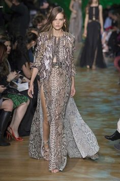 See the complete Elie Saab Spring 2018 Ready-to-Wear collection.