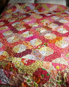Kaffe bow tie circles quilt   by flossyblossy