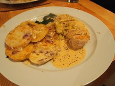 Jamie Oliver's mustard chicken, quick dauphinoise & greens – Food, sweat and tears Goose Recipes, Duck Recipes, Chicken Recipes, Chef Recipes, Jamie Oliver Potatoes, Jamie Oliver Chicken, Jamie Oliver 30 Minute Meals, Jamie Oliver Quick, 30 Minute Meals Chicken