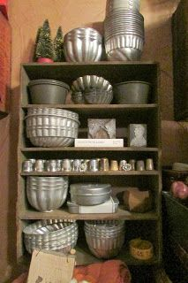Wow, what a collection of vintage metal baking pans!  The Crows Corner