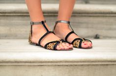 Cant resist to leopard flat sandals!