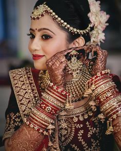 58 Ideas indian bridal photography posts veils for 2019 Indian Bridal Photos, Indian Wedding Poses, Indian Wedding Couple Photography, Indian Bridal Outfits, Bridal Photography, Photography Ideas, Desi Bride, Bridal Poses, Bridal Photoshoot