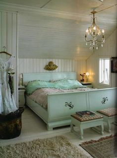 My cottage house bedroom Shabby Chic Bedrooms, Shabby Chic Decor, Vintage Decor, Cottage Bedrooms, Cottage House, Cottage Chic, Cottage Style, Sweet Home, Sleigh Beds