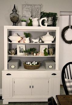Love this white hutch. You can do anything and decorate for any holiday. Love simplicity.
