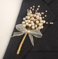 Нужное - maallure in 2020 Bead Embroidery Jewelry, Beaded Embroidery, Beaded Jewelry, Jewellery, Brooches Handmade, Handmade Jewelry, Wedding Accessories, Hair Accessories, Motifs Perler