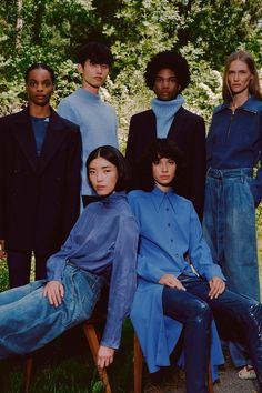 Tibi Resort 2020 Fashion Show Collection: See the complete Tibi Resort 2020 collection. Look 4 Look Fashion, Daily Fashion, Fashion Show, Portrait Photography, Fashion Photography, Group Photography Poses, Group Poses, Double Denim, Mode Editorials