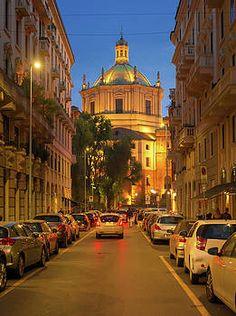 A night street scene in Milan, Italy, featuring the Basilica San Lorenzo. #basilica #milan