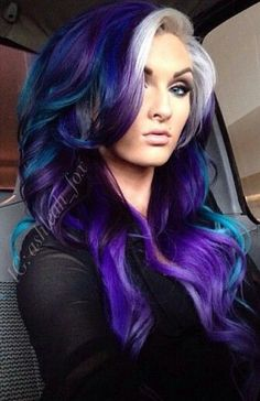 Dye your hair simple & easy to ombre galaxy hair color - temporarily use ombre galaxy hair dye to achieve brilliant results! DIY your hair ombre with hair chalk Blue Ombre Hair, Hair Color Purple, Cool Hair Color, Hair Colors, Neon Hair, Violet Hair, Purple Hair Styles, Amazing Hair Color, Teal And Purple Hair