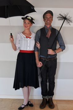 Mary Poppins and Bert Halloween Costume Disney Cosplay, Disney Costumes, Disney Outfits, Cosplay Costumes, Halloween 2014, Disney Halloween, Halloween Party, Halloween Costumes, Halloween Ideas