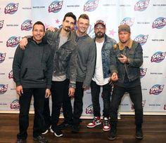 New Profile Pic, Nick Carter, Backstreet Boys, Boy Names, Dna, Twitter, Bomber Jacket, Guys, People