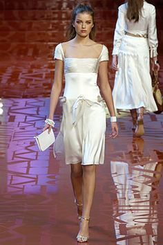 Valentino Spring 2005 Ready-to-Wear - Collection
