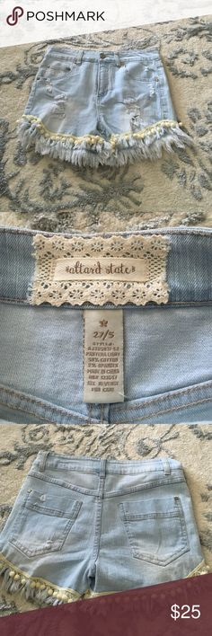 Altard State denim shorts!! Never worn denim shorts!! Precious Pom Pom detailing on the bottom!! Altar'd State Jeans