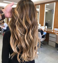Long Wavy Ash-Brown Balayage - 20 Light Brown Hair Color Ideas for Your New Look - The Trending Hairstyle Hair Color Balayage, Blonde Color, Blonde Balayage, Hair Highlights, Ombre Hair, Natural Highlights, Bayalage, Ombre Colour, Blonde Ombre