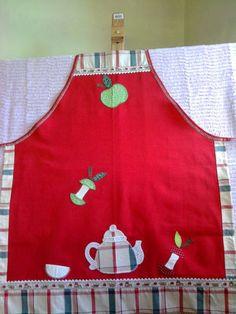 avental de cosinha feito em brim leve. bordado à mão em patch-apliquê. acabamento em sianinha,ponto russo e tecido...tricoline.