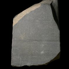 Stele di Rosetta - 195 a.C. - frammento di basalto - da Rashid, Egitto - British Museum, Londra. La Stele di Rosetta fu ritrovata nel 1799 da un soldato di Napoleone. E' stata indispensabile per la decifrazione dei geroglifici. Infatti reca un'iscrizione trilingue in egizio in geroglifici, egizio demotico e greco. Il primo a decifrarla completamente fu Francois Champollion nel 1822.    #MR