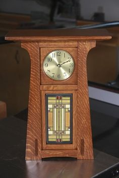 I've finally completed this craftsman style clock. Craftsman Clocks, Craftsman Style Decor, Craftsman Home Interiors, Craftsman Furniture, Clock Art, Diy Clock, Wood Clocks, Antique Clocks, Yellow Painted Furniture