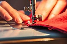 First-Rate Sewing Machine From Fabric To Clothing In Seconds Ideas. Top-notch Sewing Machine From Fabric To Clothing In Seconds Ideas. Easy Sewing Projects, Sewing Hacks, Sewing Ideas, Sewing Tips, Basic Sewing, Sewing Lessons, Woodworking Projects, Dog Cooling Mat, Zipper Parts