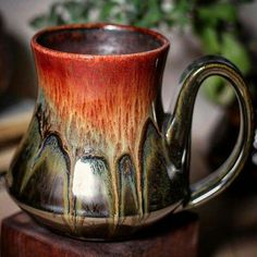 The last load's wild card is now my favorite combo! I loved the old Copper Agate but it needed a pop of color. Pottery Mugs, Ceramic Pottery, Ceramic Cups, Ceramic Art, Pottery Designs, Pottery Ideas, Clay Mugs, Hand Built Pottery, Tea Bowls
