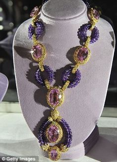 """A kunzite, amethyst, and diamond """"Triphanes"""" sautoir by Van Cleef & Arpels, circa Elizabeth Taylor collection, Christie's. perfect for her violet eyes. Van Cleef Arpels, Bijoux D'elizabeth Taylor, Elizabeth Taylor Jewelry, Royal Jewels, Turquoise Jewelry, Silver Jewelry, Amethyst Jewelry, Gemstone Jewelry, Jewelry"""