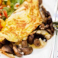 5:2 Svampomelett - Recept - Tasteline.com 5 2 Diet, Omelette, Food 52, Quick Meals, Veggie Recipes, Brunch, Veggies, Food And Drink, Vegetarian