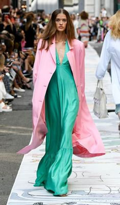 Estilo Fashion, 2020 Fashion Trends, Spring Fashion Trends, Fashion Moda, Spring Trends, Fashion 2020, Spring Summer Fashion, Runway Fashion, Ski Fashion