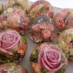 Bulle de décoration de table. Boule de roses.