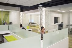 Hollander Design Group has completed the design of a new headquarters for San Diego-based lifestyle retailer Pirch. This emerging lifestyle retailer has a very Visual Merchandising, Photographers Office, San Diego, Cool Office Space, Office Spaces, Design Blog, Store Design, Design Furniture, Elegant Homes