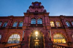 The sprawling red brick and stone building – with its domed tower, decorative columns and arched windows – bursts with Victorian civic pride. Set against polished tilework, marble staircases, stained-glass windows and parquet flooring are stripy chairs, Scandi-style tables, industrial lighting and framed architectural and engineering drawings. The original circular oak-panelled Council chamber has been turned into a Marco Pierre White restaurant. Marco Pierre White, White Restaurant, Durham England, Cosy Cafe, Marble Staircase, Hotel Indigo, Hotel Website, Arched Windows, Brick And Stone