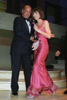 Oscar de la Renta and Anna Wintour, 1998 - Photo by Steve Eichner