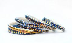 DAS tiefe Blau - Keramik Armreif - Kupfer Lustre - Steinzeug Ton - gemacht bestellen - Gratis Versand Australien Breite von LiquoriceMoonStudios auf Etsy https://www.etsy.com/de/listing/233583017/das-tiefe-blau-keramik-armreif-kupfer