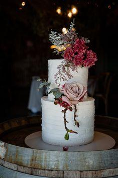 Simple yet absolutely stunning! Cake - @nulkaba_cakes Photographer - @mattsphotography Adam's Peak, Cake Art, Absolutely Stunning, Wedding Cakes, Table Decorations, Simple, Weddings, Happy, Design