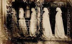 Anonymous, The ghost of Bernadette Soubirou, Albumen silver print Bernadette Soubirou, Bernadette Lourdes, Victorian Halloween, Spooky Halloween, Vintage Halloween, Creepy Vintage, Old Halloween Photos, Spooky Spooky, Halloween Ideas