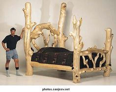 he-man tree bed Rustic Log Furniture, Twig Furniture, Cheap Furniture, Furniture Projects, Bedroom Furniture, Furniture Design, Furniture Movers, Huge Bed, Diy Bett