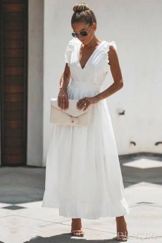 White Maxi Dresses, Pretty Dresses, Beautiful Dresses, Casual Dresses, White Cotton Dresses, White Dress Casual, Long White Dress Boho, White Dress With Sleeves, White Dress Summer