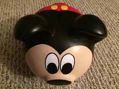 Ratón de Mickey pintadas hucha de cerámica grande Mickey Mouse, Cerámica Ideas, Disney Paintings, Pig Art, Mickey Party, Hand Painted Ceramics, Disney Trips, Vintage Wood, Coupon Codes