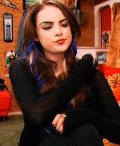 Discover & share this Jade West GIF with everyone you know. GIPHY is how you search, share, discover, and create GIFs. Jade West Hair, Jade West Style, Victorious Nickelodeon, Icarly And Victorious, Tori Vega, Elizabeth Gillies, Jade West Victorious, Jade And Beck, Liz Gilles