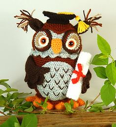 Wesley the Wise Owl - Crochet Pattern by @MojiMojiDesign | Featured at Moji-Moji Design - Sponsor Spotlight Round Up via @beckastreasures | #fallintochristmas2016 #crochetcontest #spotlight #crochet #roundup