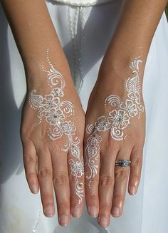 Bridal Henna Tattoo. This would look gorgeous as a real tattoo done in white ink