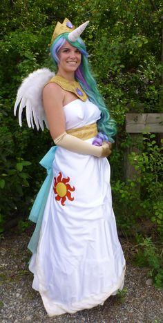 I've always thought cosplaying was a really neat hobby. And when I saw this, I wanted to make a really neat MLP:FiM cosplay.