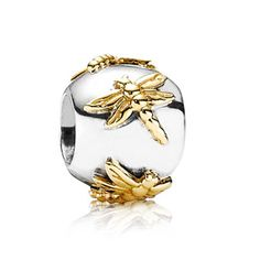 Pandora Golden Dragonflies Charm  I really like this one, and wish it weren't so expensive. Pandora Bracelets, New Pandora Charms, Pandora Beads, Pandora Jewelry, Charm Jewelry, Charm Bracelets, Armband, Silver Charms, Piercing
