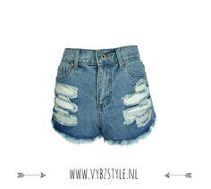 Nieuw! Bij Vybz Style. De Denim High Waist Shorts €24,95 Shop hem hier: http://www.vybzstyle.nl/denim-high-waist-shorts.html
