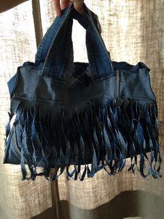Dit is een hippe tas van een spijkerrok