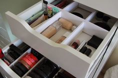 Lucy Sparkle Beauty: DIY Makeup Storage ⎜⎜ Inexpensive Drawer Dividers from foam board. No saw needed.